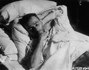 Egon Schiele en el lecho de muerte (1918)