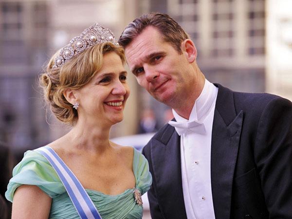 La infanta Cristina sonríe junto a su esposo Iñaki Urdangarín